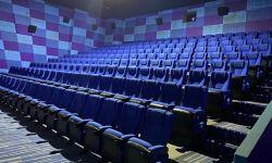 电影院还在过冬:影片扎堆热门档 血亏扩张