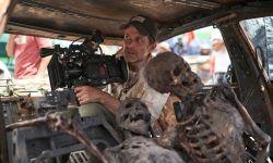 Netflix发布扎导新片《死亡之师》幕后片场照