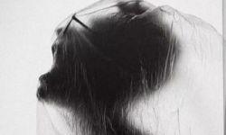 汪峰新单曲《没有人在乎》封面被质疑 网友:与散人《叫唤》一样