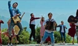 """天山电影制片厂用""""新""""打造 《歌声的翅膀》奏响中国歌舞片最强音"""
