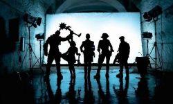 电影《无主之地》幕后照全员亮相 高矮胖瘦形态各异