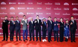 陈凯歌&张艺谋&黄建新等名导佳片云集,第24届上海国际电影节开幕红毯