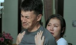 """电影《天下无拐》曝光""""绝望""""主题海报 失孤母亲惹人落泪"""