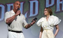 电影《丛林奇航》举行全球首映礼  巨石强森、布朗特携手亮相
