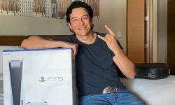 《最后的生还者》剧集汤米演员晒PS5:Neil送我的
