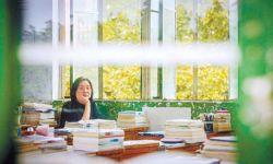 《一直游到海水变蓝》导演贾樟柯:用纪录片讲述四代作家心路历程