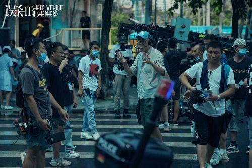 攝影指導何山在《誤殺2》拍攝現場