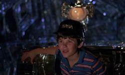 怀旧来一波:华纳重拍《保镖》,迪士尼重拍《飞碟领航员》