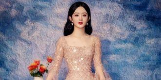 趙麗穎油畫風寫真端莊優雅 裸粉色長裙仙氣十足